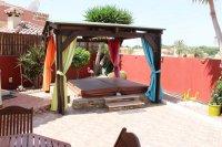 Impressive villa on a corner plot with hot tub and large garden (20)