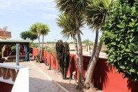 Impressive villa on a corner plot with hot tub and large garden (23)