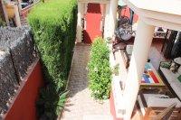 Impressive villa on a corner plot with hot tub and large garden (24)