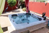 Impressive villa on a corner plot with hot tub and large garden (26)