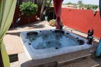 Impressive villa on a corner plot with hot tub and large garden (27)