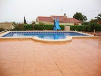 Stunning villa set in 2400 m2 plot with a private pool and a self-contained apartment (1)
