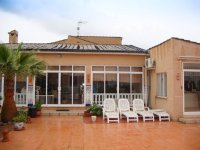 Stunning villa set in 2400 m2 plot with a private pool and a self-contained apartment (24)