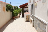 Well-presented villa with private pool & separate 2 bed accommodation (28)
