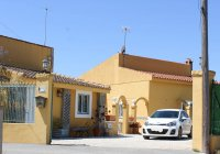 Villa with private pool and additional detached accommodation (29)