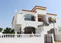 South facing, upstairs apartment with solarium on popular golf resort (0)