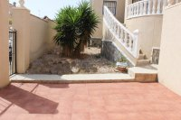 Villa with private pool & off-road parking, easy walking distance to amenities (17)