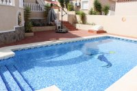 Villa with private pool & off-road parking, easy walking distance to amenities (1)