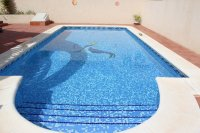 Villa with private pool & off-road parking, easy walking distance to amenities (18)