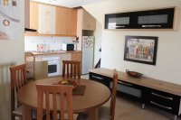 Fantastic apartment, community pool, parking & walking distance to the beach (4)