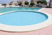 Fantastic apartment, community pool, parking & walking distance to the beach (15)