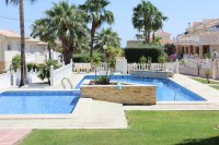 Impressive, south-east facing Lola with large corner plot and communal pool (26)