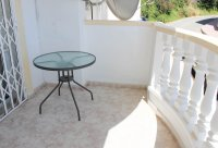 Ground floor apartment with communal pool, easy walking distance to amenities (14)