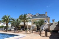 Impressive villa with private pool, just two minutes' walk to Quesada high street (2)