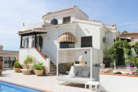 Impressive villa with heated private pool, large outdoor kitchen and fabulous views (1)