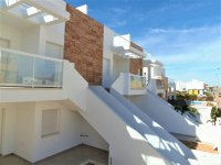 4 bedroom town houses with underbuild & communal pool within walking distance of the Mar Menor (13)