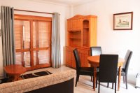 Apartment with pretty community pool, walking distance to facilities (4)