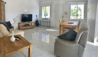 Modernised Villa with Beautiful Gardens close to services in a quiet residential street  (3)