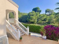 Modernised Villa with Beautiful Gardens close to services in a quiet residential street  (8)