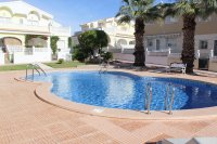 Immaculate semi-detached villa with communal pool in good location (1)