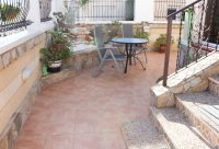 Immaculate semi-detached villa with communal pool in good location (21)