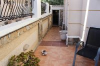 Immaculate semi-detached villa with communal pool in good location (23)