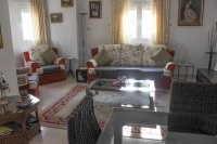 Immaculate semi-detached villa with communal pool in good location (5)