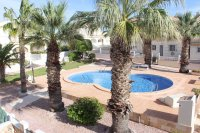 Immaculate semi-detached villa with communal pool in good location (28)