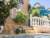 Very well-presented villa with private pool and off-road parking (29)