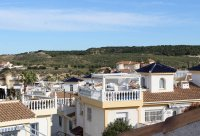 Very well-presented villa with private pool and off-road parking (35)