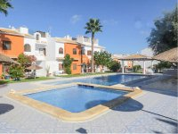 Well-presented apartment with large glazed terrace and communal pool (15)