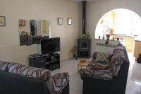 Superbly presented 3 bedroom bungalow with 2 communal pools (7)