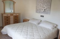 Immaculately presented villa with private pool and off-road parking (18)