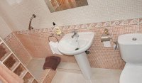 Immaculately presented villa with private pool and off-road parking (21)