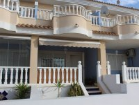 Ideally located townhouse with communal pool on gated community (15)