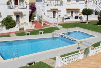 Lovely 2 bedroom, corner bungalow overlooking communal pool (22)