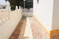 Lovely 2 bedroom, corner bungalow overlooking communal pool (18)
