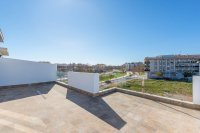 Modern apartments with all white goods and communal pool  (15)