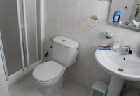 Well presented West facing 2 bed, 2 bath bungalow adapted for disabled access (8)