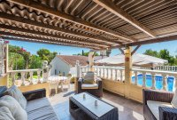 Stunning 3 bed, 2 bath villa, with private pool, landscaped gardens and garage. (20)