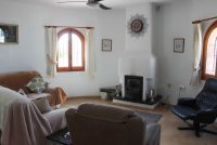 Bright, spacious 3 bed, 2 bath detached villa with private pool and off road parking (3)
