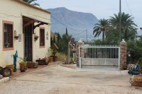 Country villa on one level with fabulous views on large country plot (17)