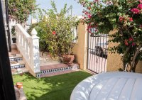 Well presented 3 bedroom detached villa with communal pool (16)