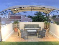 4 bed 2 bath detached villa with private pool, complete with separate 2 bed apartment. (29)