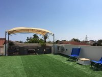 4 bed 2 bath detached villa with private pool, complete with separate 2 bed apartment. (28)