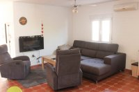 4 bed 2 bath detached villa with private pool, complete with separate 2 bed apartment. (4)