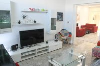 4 bed 2 bath detached villa with private pool, complete with separate 2 bed apartment. (5)