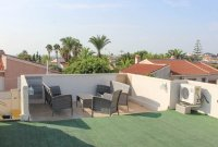 4 bed 2 bath detached villa with private pool, complete with separate 2 bed apartment. (32)