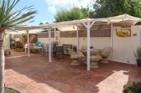 4 bed 2 bath detached villa with private pool, complete with separate 2 bed apartment. (35)
