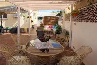 4 bed 2 bath detached villa with private pool, complete with separate 2 bed apartment. (34)